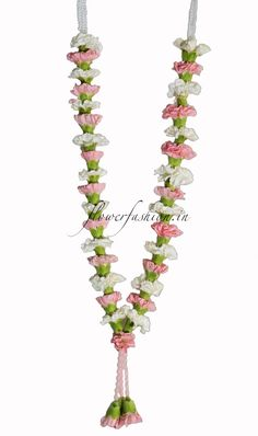Buy Flower Garland Online On Exciting Inaugural Offer 50 Off 1000rs Flat Off On All Garland Offer Carnation Wedding Flower Garlands Flower Garland Wedding