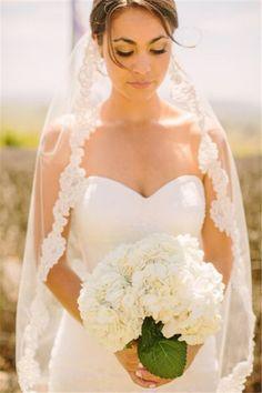 La voile de mariage. Il est fait de dentelle. J'aime que c'est simple! #lavoile #mariage