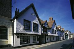 The George Hotel Wallingford The George Hotel is a 16th-century coaching inn situated in the centre of the historic market town of Wallingford. With seasonal bistro dining, it is also 20 minutes' drive from Oxford.