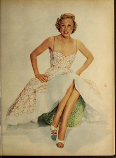 June Allyson. Modern Screen, 1954. Old Hollywood Glamour, Hollywood Actor, Vintage Glamour, Hollywood Style, Classic Hollywood, Arlene Dahl, June Allyson, Jane Powell, Gloria Dehaven