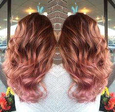 Are you looking for rose gold hair color hairstyles? See our collection full of rose gold hair color hairstyles and get inspired! Cabelo Rose Gold, Rose Gold Hair, Pink Hair, Gold Hair Colors, Ombre Hair, Ombre Rose, Blonde Hair, Hair Today, Hair Dos