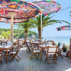 Laid-back, luxe and at one with its natural surroundings, Aiyanna Ibiza is the new beach restaurant and wedding venue from the team behind Amante Ibiza. Ibiza Beach Club, Playa Beach, Ibiza Restaurant, Restaurant Design, Beach Hotels, Beach Resorts, Ibiza Strand, Ibiza Formentera, Ibiza Fashion