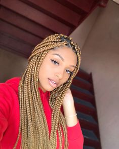 box braids with color \ box braids . box braids with color . box braids with curly ends . box braids hairstyles for black women . box braids with curly hair Brown Box Braids, Colored Box Braids, Blonde Box Braids, Bob Box Braids Styles, Box Braids Styling, Braid Styles, Twist Styles, Box Braids Hairstyles For Black Women, Braids For Black Women