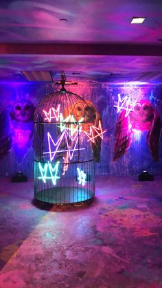 Psychedelic Robot is an immersive, interactive pop-up museum, based on custom art exhibitions created by internationally-recognized, celebrity artists. Purple Aesthetic, Aesthetic Rooms, Photo Wall Collage, Picture Wall, Shopping Interior, Mode Disco, Led Neon, Nightclub Design, Neon Room