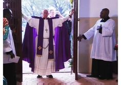 #PopeFrancis opens Holy Door at Mass in Bangui cathedral - Vatican Radio