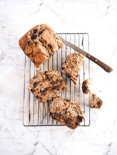 It's a big call, but I'm gonna make it. Srsly. This is probably the best thing I've scoffed down in a long while. Banana bread, forever m...