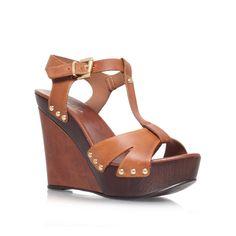 3b8085723 16 Best heels images | Fashion shoes, Wide fit women's shoes, Court ...