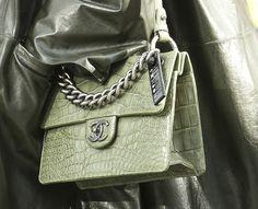 CHANEL Fall 2014 Crocodile Handbag                                                                                                     ✤HAND'me.the'BAG✤