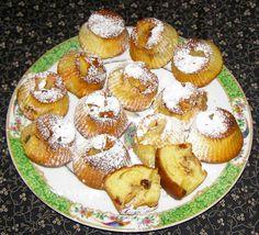 W Mojej Kuchni Lubię.. : cynamonowe jabłka z rodzynkami w babeczkach...
