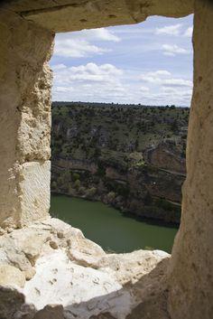 Parque Natural #Hoces del Río #Duratón, Segovia  http://www.kokopeliadventure.com/