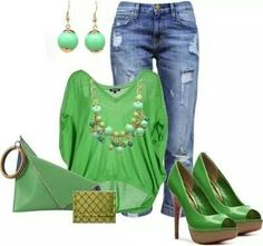 Loving this cheeky green ensemble!