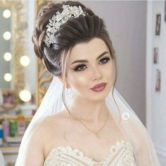 fabulous wedding hairstyles 30 Pretty Up-do Wedding Hairstyles For You –…Best of 40 Ulyana Aster Wedding HairstylesTop 30 Long Wedding Hairstyles for Bride from Romantic Wedding Makeup, Wedding Hair And Makeup, Bridal Makeup, Head Bun, Beauty Makeup, Hair Makeup, Hair Beauty, Bridal Hair Updo, Celebrity Makeup