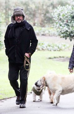 George Michael, of just more musicians could be as caring . He loved animals, children, people with needs.♡♡♡
