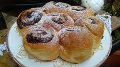 La Torta di Rose è un soffice panbrioche farcito con la nutella ( ma bene si abbina anche la crema al burro, le marmellate o la crema pasticcera). Accompagnata da un bel caffè o un buon tè caldo, la torta di Rose alla nutella è un semplice ma gustoso dolce da assaporare in ogni occasione! Questa è la mia ricetta…