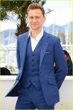tom hiddleston in black suit -  Man that blue suit looks damn good!