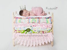 So cute for a baby girl pic. Princess and the Pea Newborn Twins Photography Prop Posing Bunk Beds Foam Mattresses - DIY Stackable Bunk Bed with Ladder. Foto Newborn, Newborn Twins, Newborn Posing, Newborn Photo Props, Newborns, Baby Doll Bed, Baby Dolls, Newborn Pictures, Baby Pictures