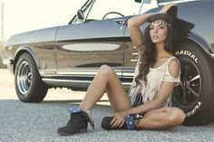 Ford Mustang # hot babe ♠… X Bros Apparel Vintage Motor T-shirts, mustangs … Ford Mustang # Hot Babe … X Bros Bekleidung Vintage Motor T-Shirts, Mustangs … ♠ Toller Preis Ford Gt, Sexy Autos, Models Men, Car Poses, Up Auto, Mustang Girl, 66 Mustang, Mini Car, Classic Mustang