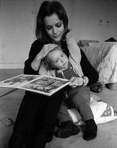 Romy Schneider reading to son David, photographed by Sven Simon, 1968 2 Harry Meyen, Teresa Wright, Alain Delon, Rita Hayworth, French Actress, Nostalgia, Mother And Child, Sissi, Black White