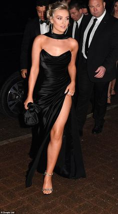 Perrie Edwards exudes glamour in a strapless gown Perrie Edwards Style, Little Mix Perrie Edwards, Little Mix Girls, Little Mix Style, Celebrity Dresses, Celebrity Style, Evening Dresses, Prom Dresses, Red Carpet Looks