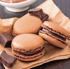 Macarons, Romania Food, Cookie Recipes, Dessert Recipes, Cupcakes, Healthy Desserts, Food Cakes, Love Food, Kids Meals
