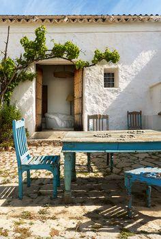 地中海一美しい海を満喫したい!イビサ島のエキゾッチクな別荘が素敵!