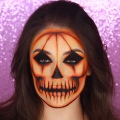 How much do you love dressing up for Halloween? Here we've made a list of some of the top Halloween makeup inspirations this year Checkout over 40 incredibly creative makeup looks and watch a video detailing of to recreate some epic costume makeup ; Maquillage Halloween Clown, Cute Halloween Makeup, Halloween Pumpkin Makeup, Scarecrow Makeup, Pumpkin Costume, Fröhliches Halloween, Dollar Store Halloween, Creative Halloween Costumes, Halloween Parties