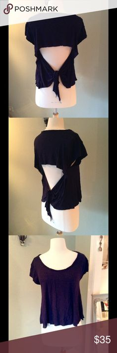 FREE PEOPLE TOP Adorable open back tee with tie. Navy Free People Tops