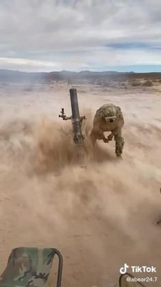 Military Weapons, Weapons Guns, Guns And Ammo, Military Art, Funny Films, Funny Vid, Special Ops, Special Forces, Beste Gif