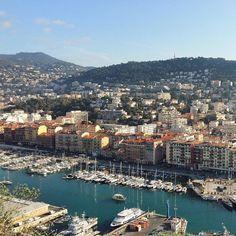 Porto de Nice #nice #cotedazur #frenchriviera #marathon06 #CMviaja #viajamulherada #corremulherada #portdenice by megacombo at http://ift.tt/1XZdPf8