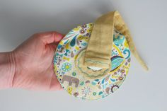 """Items similar to Lutinou key fob in organic cotton """"seek and find"""" white, yellow and green, yellow background on Etsy Yellow Background, Boutique Mimi, Organic Cotton, Creations, Etsy, Trending Outfits, Unique Jewelry, Handmade Gifts, Green"""