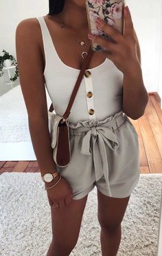 8 looks that are stylish and cool for the hottest days - Moda - Mode Adrette Outfits, Cute Shorts Outfits, Stylish Outfits, Tie Shorts, Simple Outfits, High Waisted Shorts Outfit, Tank Top Outfits, Flowy Shorts, Tank Top Dress