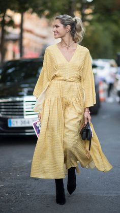 gettyimages 809565178 What Do the Colors You Wear Say About You? We Break It Down