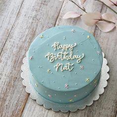Pretty Birthday Cakes, Pretty Cakes, Cute Cakes, Mini Cakes, Cupcake Cakes, Korea Cake, Pastel Cakes, Baking Items, Cute Desserts