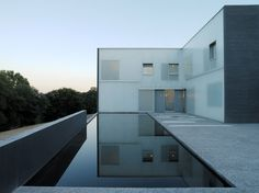 THE NEW RESIDENCE AT THE SWISS EMBASSY    Steven Holl