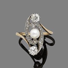 Diamond Jewelry An art nouveau cultured pearl and diamond-set dress ring, circa 1910 Centrally set with a cultured pearl within a rose-cut diamond swirl, terminating in old-brilliant-cut diamonds, diamonds approx. Art Nouveau Ring, Bijoux Art Nouveau, Art Nouveau Jewelry, Jewelry Art, Fine Jewelry, Jewelry Design, Gold Jewelry, Jewlery, Diamond Brooch