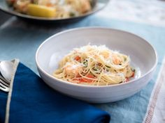 #EatTheSeason | PLUS Angel Hair with Lemon Shrimp and Asparagus  Get inspired & find more recipes here: http://www.barilla.com/eattheseason