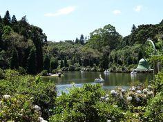 Já viu nosso post com 24 dicas de atrações gratuitas para você curtir em Gramado no Rio Grande do Sul??? O Lago Negro é um destes lugares!!!! Tem muita coisa bacana e de graça. Corre lá para ver!!! http://ift.tt/1QJmBej #mundoafora #dedmundoafora #travel #viagem #tour #tur #trip #travelblogger #travelblog #braziliantravelblog #blogdeviagem #rbbviagem #tripadvisor #trippics #instatravel #instagood #blogueirorbbv #ap #rs #gramado #canela #riograndedosul #serragaucha #mtur #vivadeperto…
