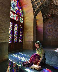 Nasir Al Mulk Mosque, Shiraz, Iran   surfingpersia.com