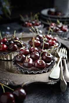 Lighting, textures, colors, everything - Gorgeous - No-Bake Oreo Chocolate Cherry Tarts. Photography by @Mowie Kay