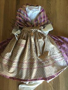 Aragon, Romantic Fashion, Regional, Dresses, Decor, Folklore, Vestidos, Modernism, Sewing Stitches