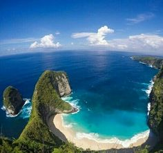 keliking beach.karang dawa .nusa penida island