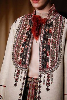 """Stylefluid Trendz: Valentino Spring Summer 2015 Couture : """"Love Conquers all"""" : Paris Haute Couture Fashion Week Couture Mode, Couture Fashion, Runway Fashion, High Fashion, Fashion Show, Womens Fashion, Fashion Trends, Couture 2015, Fashion Spring"""