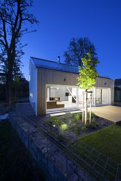 Ak architekt robí pre seba alebo pre svojich blízkych, je to asi to najťažšie zadanie. Na druhej strane, má možnosť slobodne prejaviť svoju osobnosť a vlastné názory na kvalitné bývanie.