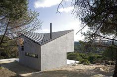 Mirador natural en el claro del pinar. Casa NM proyecto de gaSSz arquitectos. Fotografías de Javier Azurmendi. #arquitectura #arquitecturasingular