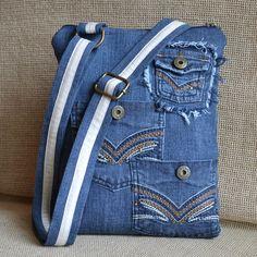 Džínová kabelka malá - 1 Kabelka je vyztužená, proto drží krásně tvar i prázdná…