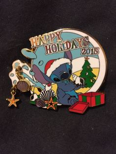 Disney Cast Exclusive Limited Edition Of 1000 Stitch 2015 Happy Holidays Pin