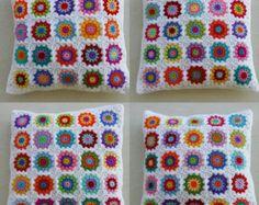 las flores del ganchillo a abuela Cojín cuadrado por handmadebyria