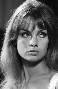 Jean Shrimpton in Paris Match 1966 photographed by Philippe Letellier (Thanks to Jane Davis)