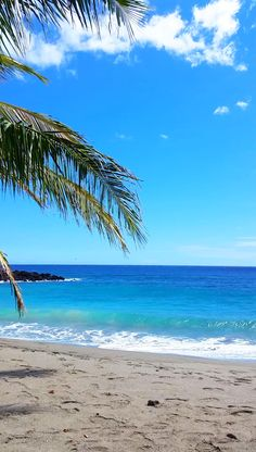 Outdoor beach travel tips. beautiful places for world bucket list, wanderlust inspiration, tropical islands. The post Hawaii beach appeared first on Welcome! Hawaii Vacation, Hawaii Travel, Beach Trip, Dream Vacations, Vacation Spots, Beach Travel, Hawaii Beach, Oahu Hawaii, Spain Travel