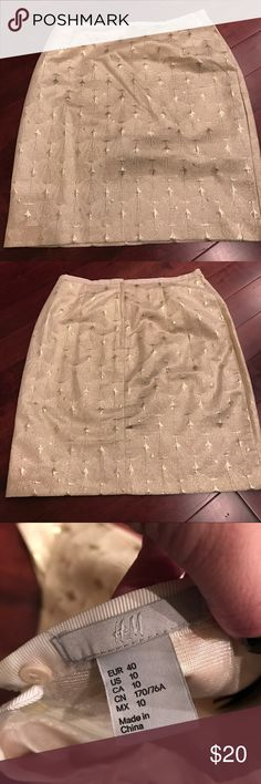 H&M Holiday Collection Cream/Gold/Silver Skirt H&M Holiday Collection Cream/Gold/Silver Skirt. Perfect for holiday gatherings or night out! Worn once to a New Years Eve Party! Perfect condition Skirts